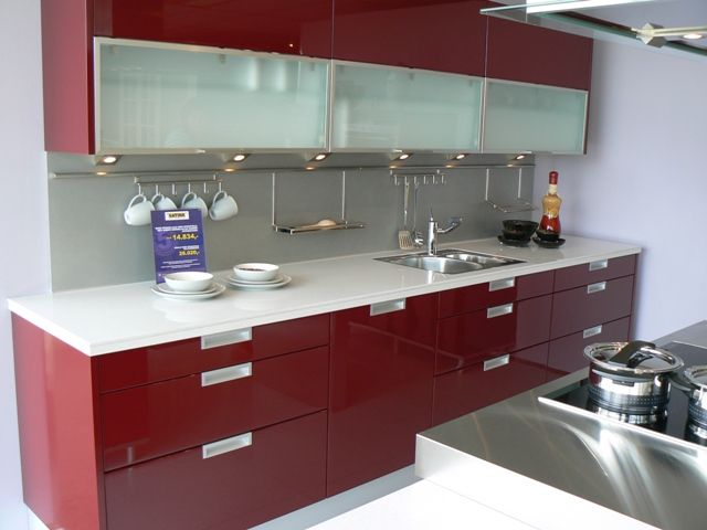 Ik wil een rode keuken! ) Rode Keukens Pinterest - küche selber planen