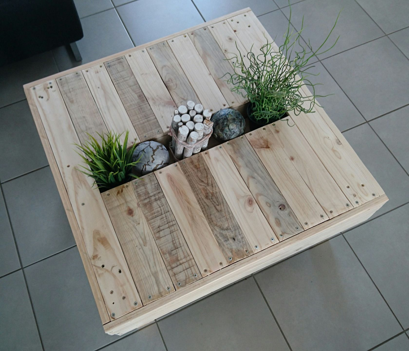 Table basse en bois recyclé avec gouttière centrale pour ...
