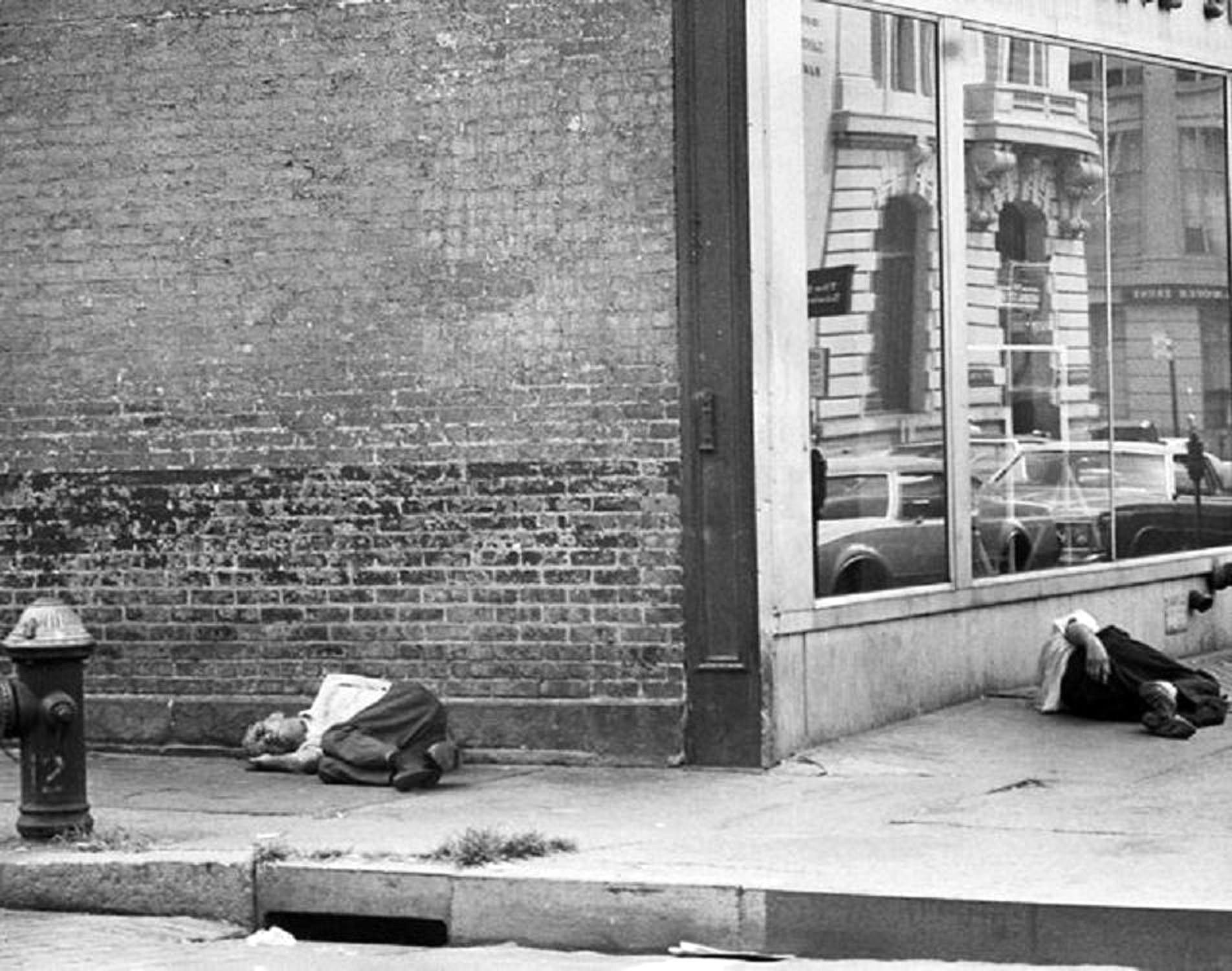 Homeless On Bowery 1970 S Photo By Leland Bobbe Photo From The New York Daily News Archives New York Street New York City Photos New York City