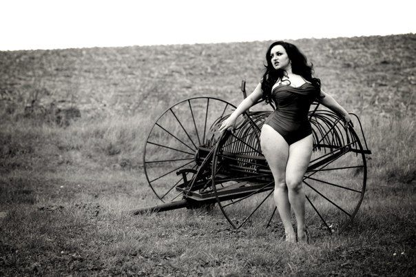 russian curvy model Zhanna Dihtar