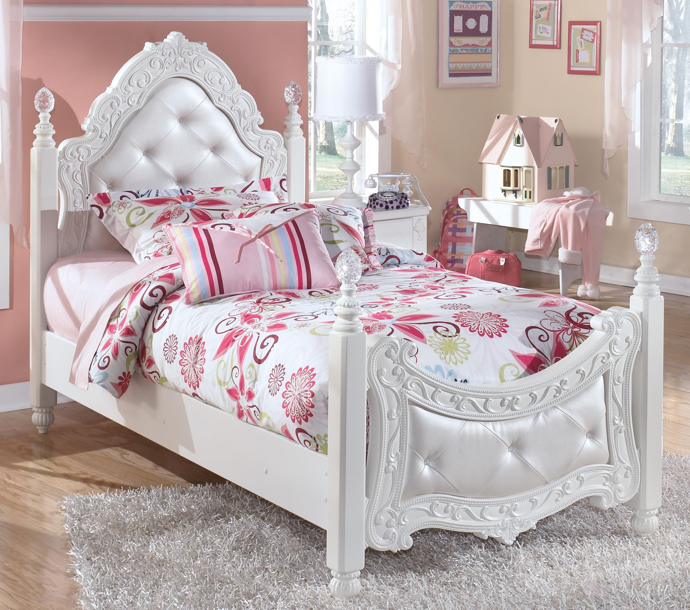 Exquisite Twin Ornate Poster Bed with Tufted Headboard