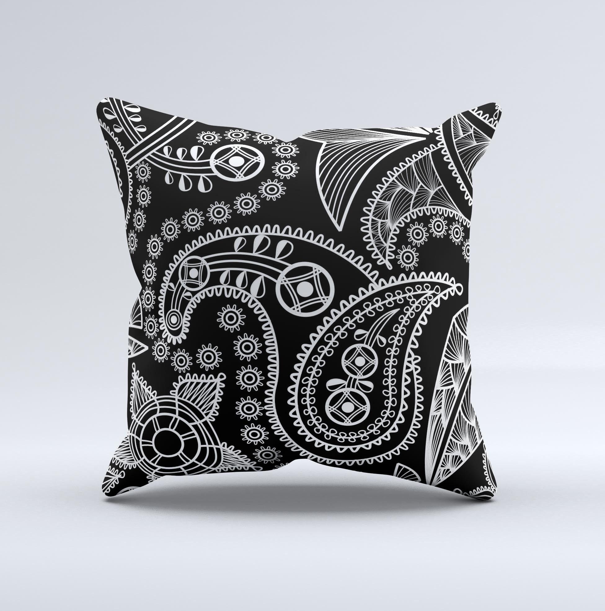 Black and White Paisley Pattern v14 inkFuzed Decorative
