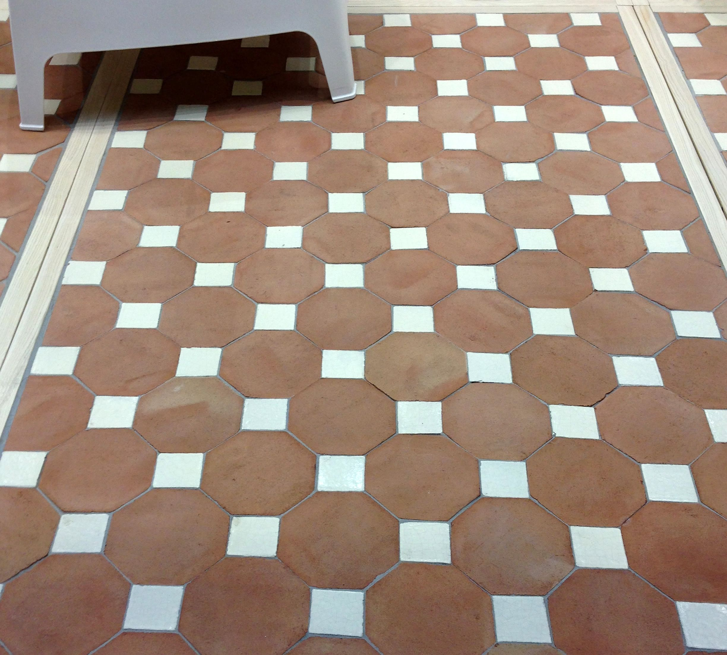 Pin By Tierra Y Fuego Ceramic Tiles On Terra Cotta And Ceramic Floor Tile With Images Mexican Tile Floor Tiles Flooring