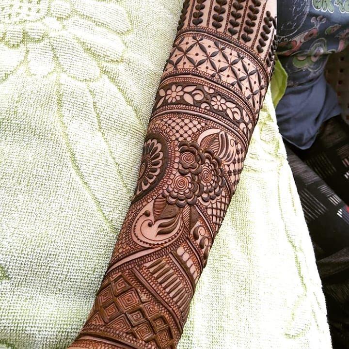 #mehndi #mehndiart  #mehendi #mehndi #hennalove #henna #weddings #art #henna_artist #hennahands #instahenna #hennatattoo #bridalhenna #bridalmehendi #hennadesigns #hennainspire #hennainspo #hennabridaldesign #mehandi #7enna #henna #pakistanimehndi #pakistaniwedding #indianmehndi #hennaart #hennapro #maharaniweddings #indianweddingbuzz #henna_artist #lahenna #brialdesigns #hennabridaldesign