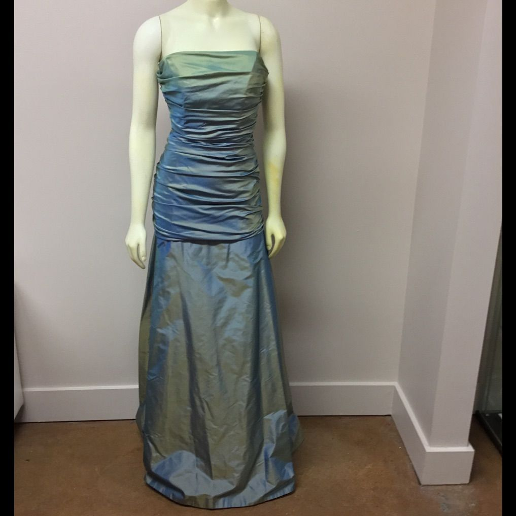 Siri silk evening gown products