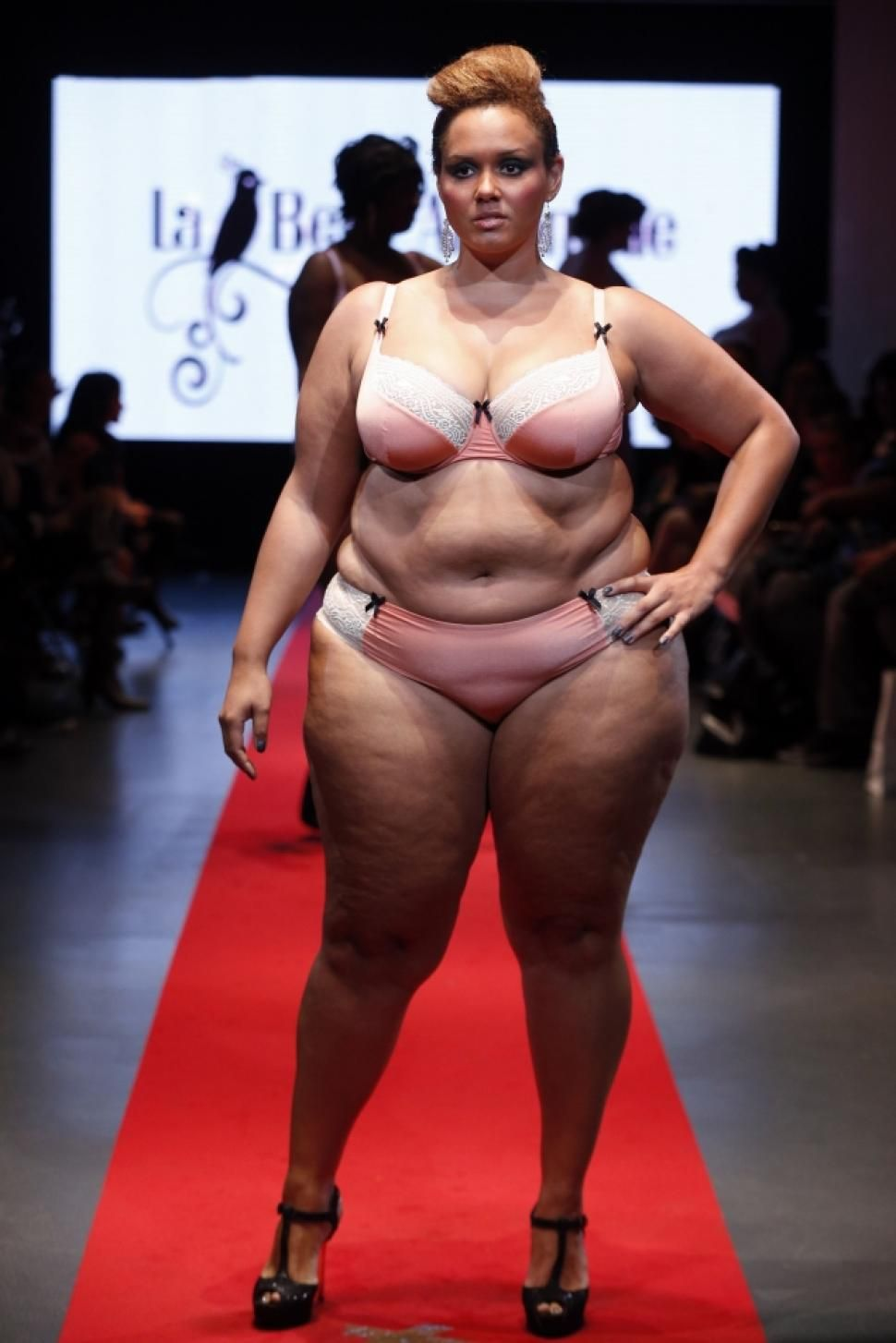 Plus-size models strut their stuff at Pulp Fashion Week in Paris ...