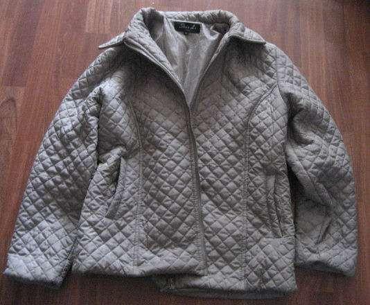 Chaquetas para mujer en color gris claro y verde oscuro  Caracteristicas:  - usadas, ambas en muy buen estado - la  ..  http://leon-city.evisos.es/chaquetas-para-mujer-en-color-gris-claro-y-id-595892