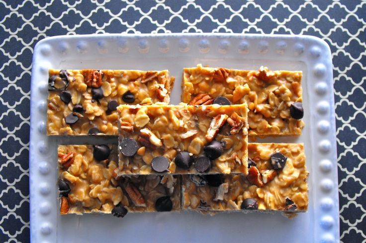 Peanut Butter Chocolate Chip Granola Bars, these are so addictive!