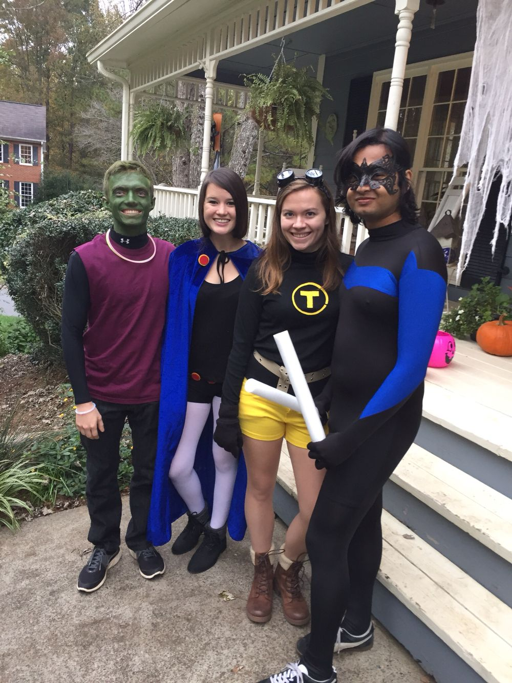 our last-minute halloween costumes teen titans! (terra, nightwing