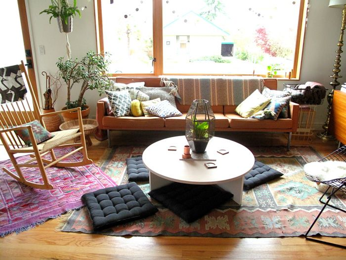 Casual And Colorful Living Room Layered Rugs Love The Cushions