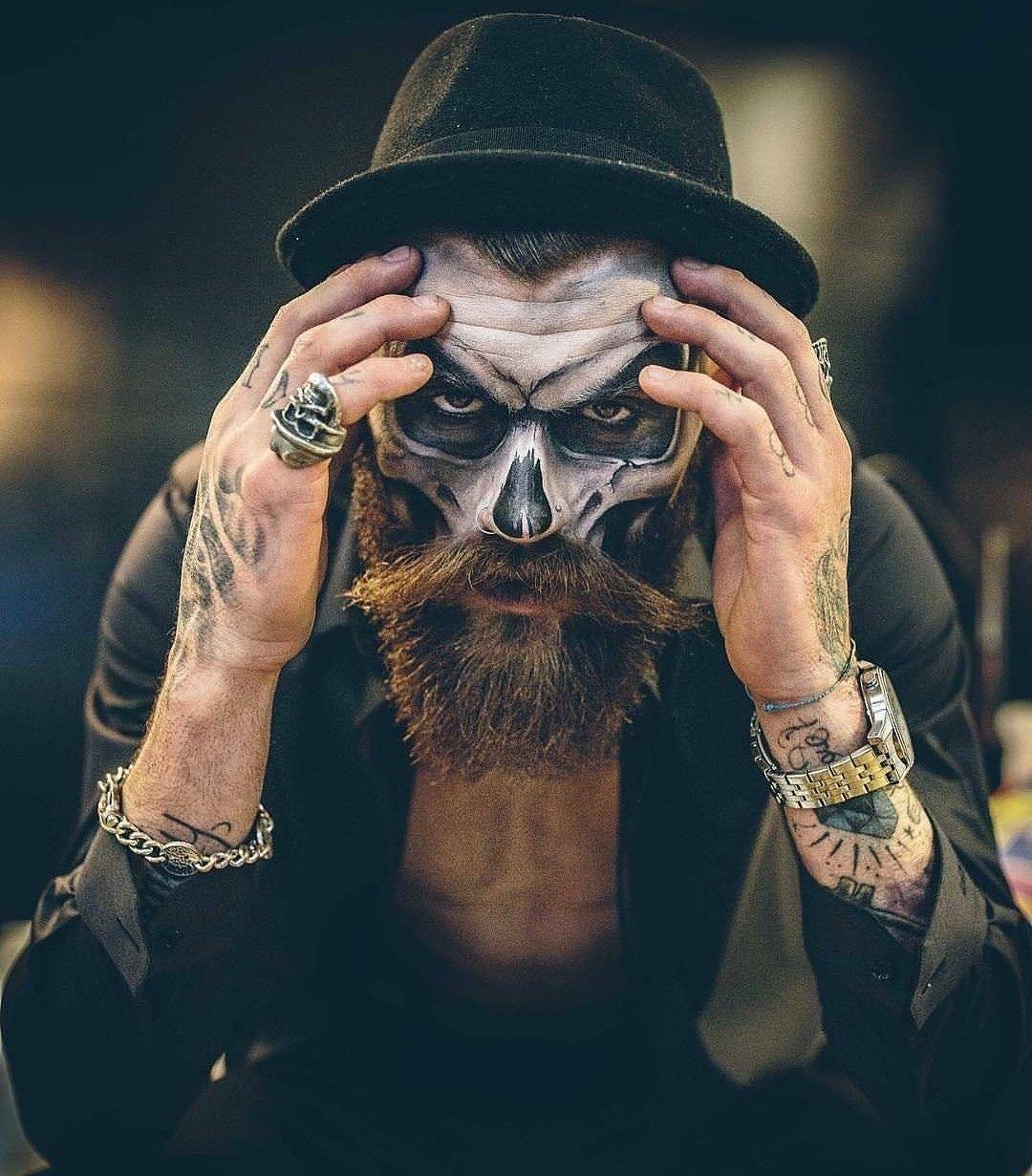 Pin de Yeyo en Maquillaje halloween hombre con barba