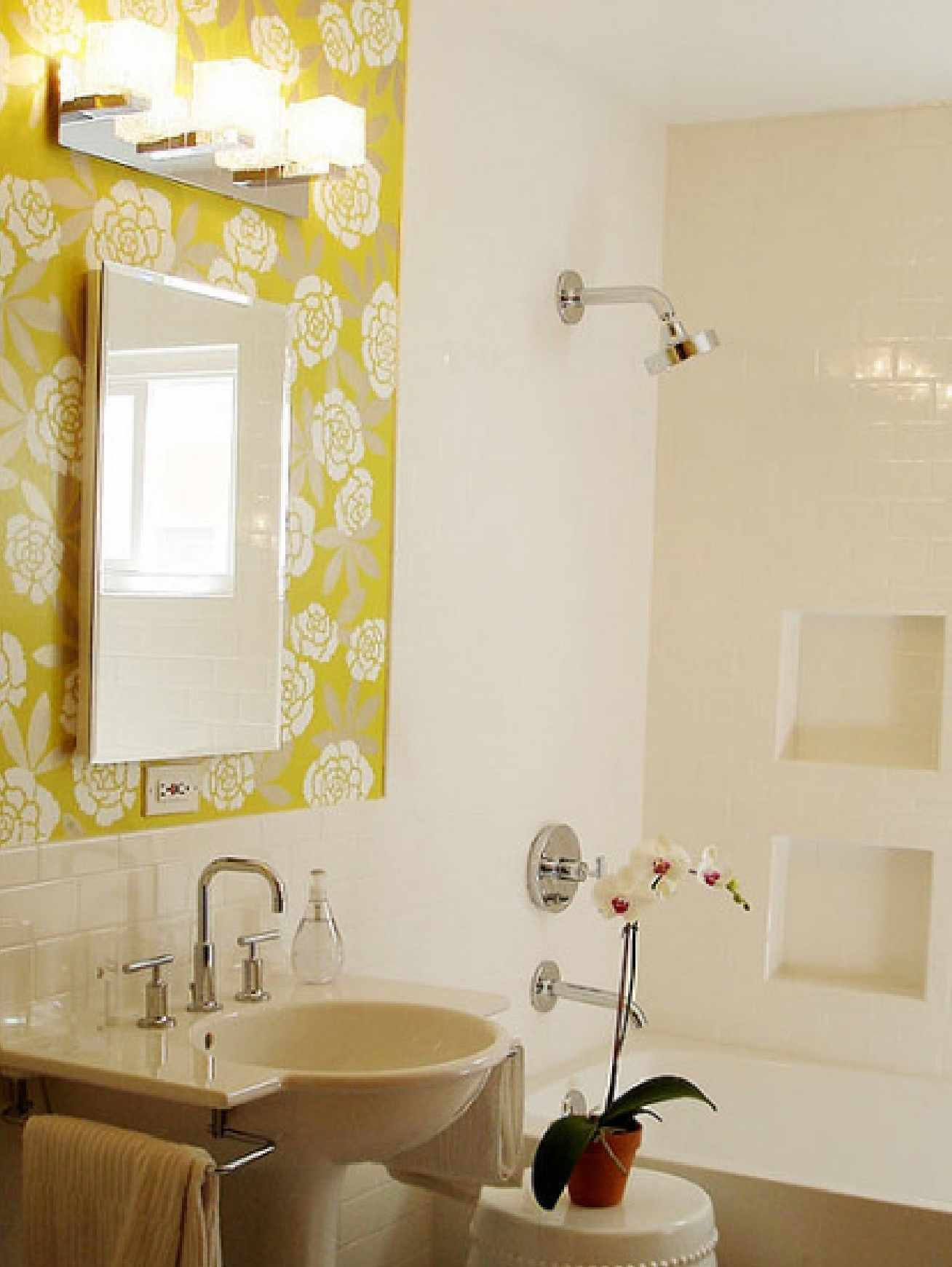 Gelbe halbe badezimmerideen pictures of small bathroom remodels with beautiful subway white tile