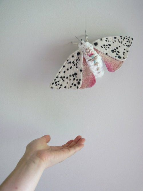 Marvelous moth creations by Yumi Okita, on the blog today: http://www.artisticmoods.com/yumi-okita/