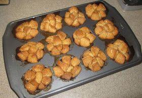 Domestic Mama: Mini Monkey Bread