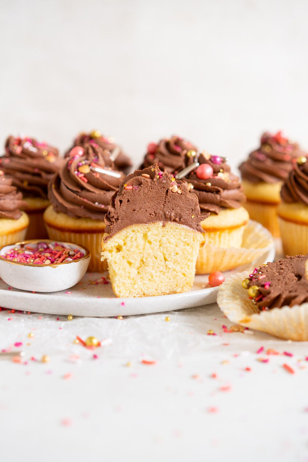 Vanilla Bean Cupcakes With Chocolate Peanut Butter Buttercream