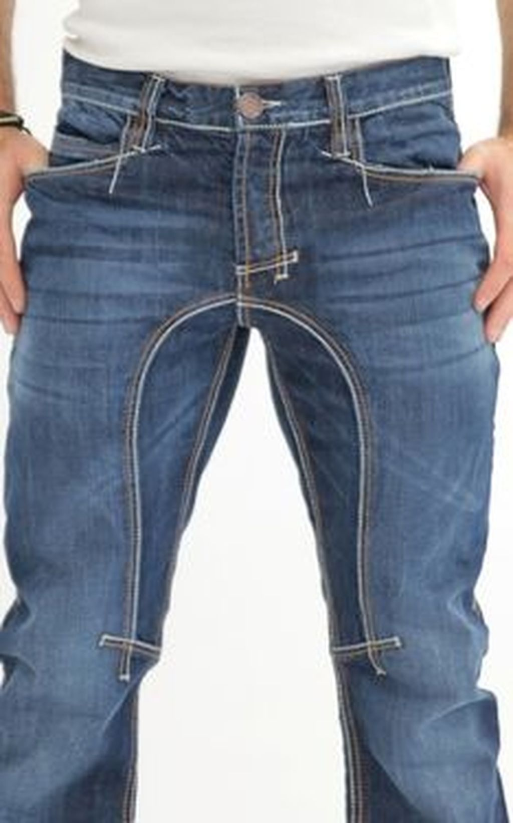 Slim down the jeans cut off the extra fabric and the pattern is legit CIPO    Street styles   Jeans, Mens fashion, Ripped jeans men fbcfe0b567
