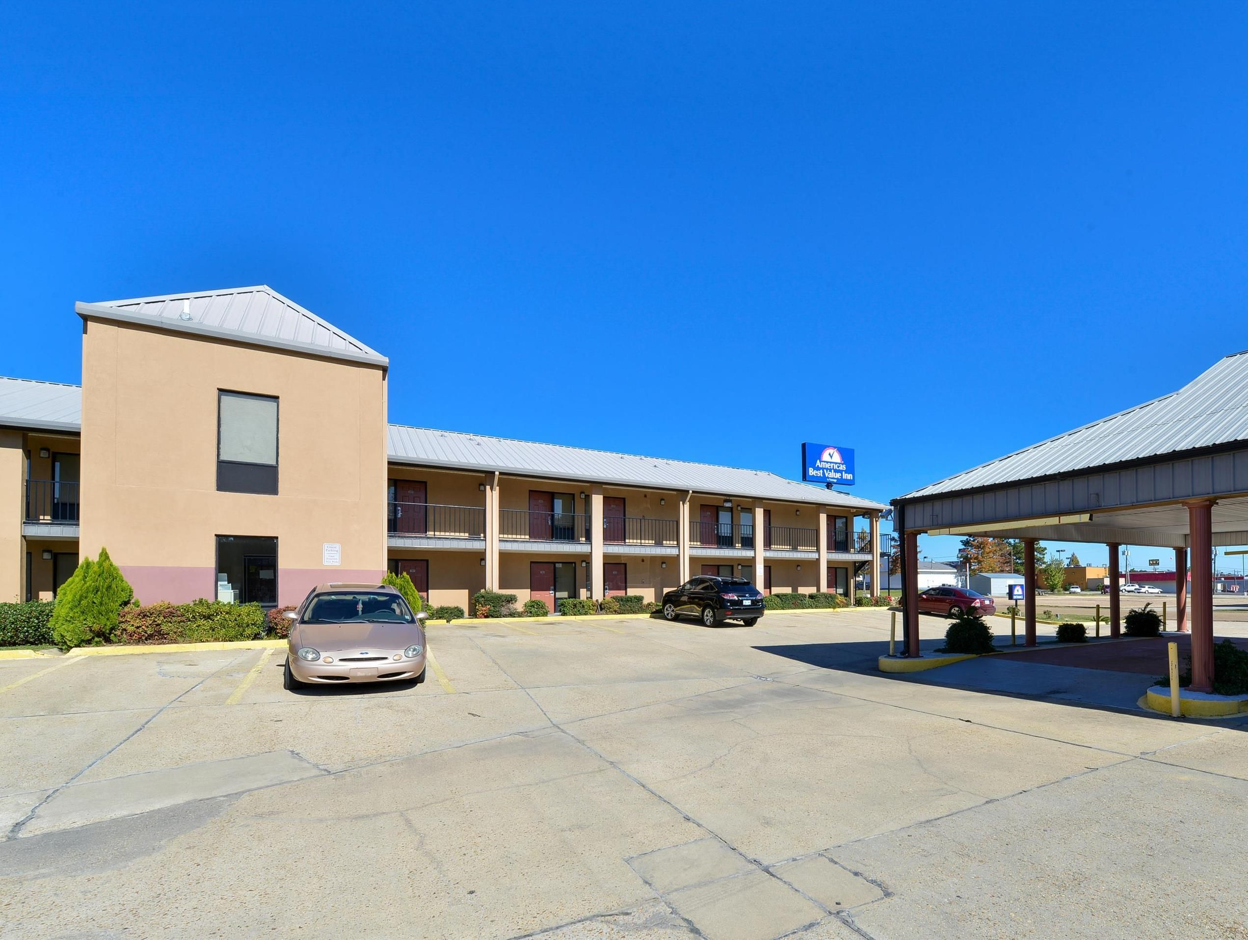 Brookhaven (MS) Americas Best Value Inn Brookhaven United States, North America The 1-star Americas Best Value Inn Brookhaven offers comfort and convenience whether you're on business or holiday in Brookhaven (MS). Featuring a complete list of amenities, guests will find their stay at the property a comfortable one. 24-hour room service, facilities for disabled guests, Wi-Fi in public areas, car park, room service are there for guest's enjoyment. Guestrooms are designed to pro...