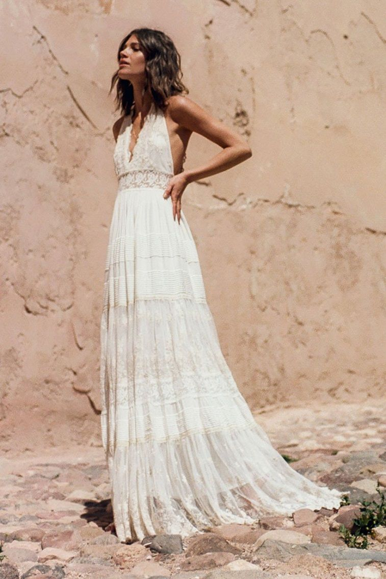 Bohemian wedding dress with feminine touch fabmood wedding bohemian wedding dress with feminine touch junglespirit Images