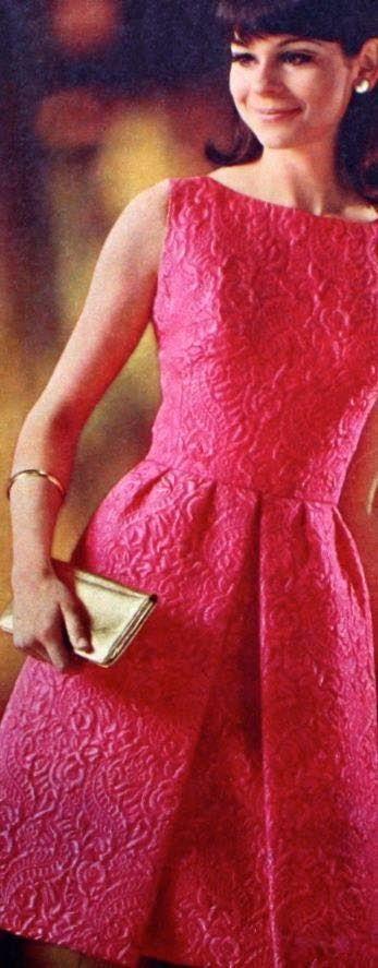 Magdorable!: Satin duchesse brocade dress, Madeleine (Dutch) September 1967