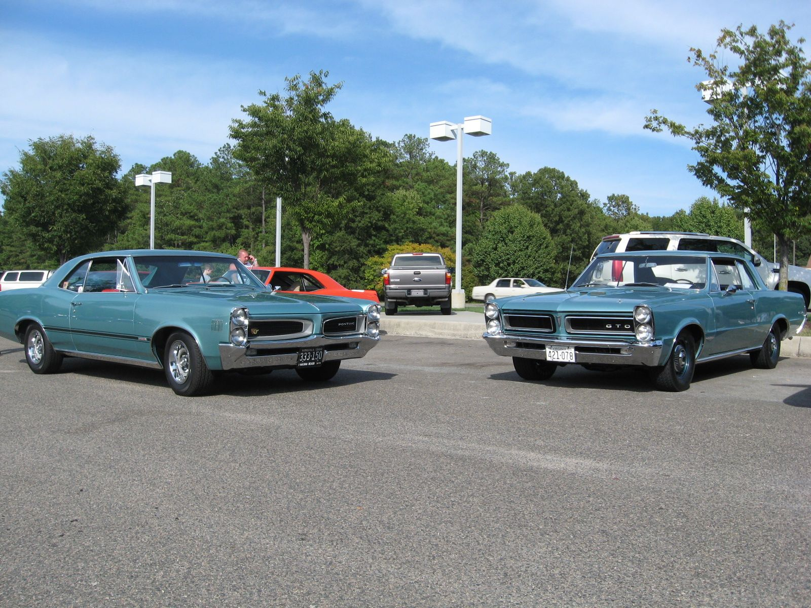 Our 1966 Pontiac Lemans Ohc 6 Sprint A 1965 Gto With Original Paint Both Are Reef Turquoise Code K Cars Pontiac Lemans Pontiac 1965 Gto