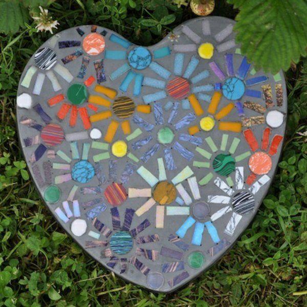 mosaik basteln anleitung herz ideen design | mosaik für garten, Hause deko
