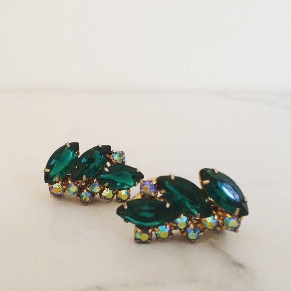 Vintage 1950s Emerald Green & Aurora Borealis Rhinestone Clip-On Earrings | Retro Jewellery 1950s by TheFrenchSeventyFive