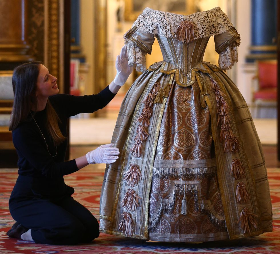 Buckingham Palace Is Opening A New Exhibit About Queen Victoria This Summer Queen Victoria Dress Victoria Fashion Queen Victoria [ 888 x 980 Pixel ]