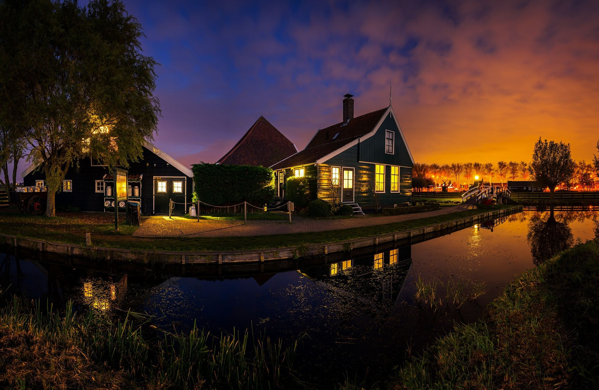Zaanse Schans Holland  City and architecture photo by remoscarfo http://bit.ly/2cHeOTz