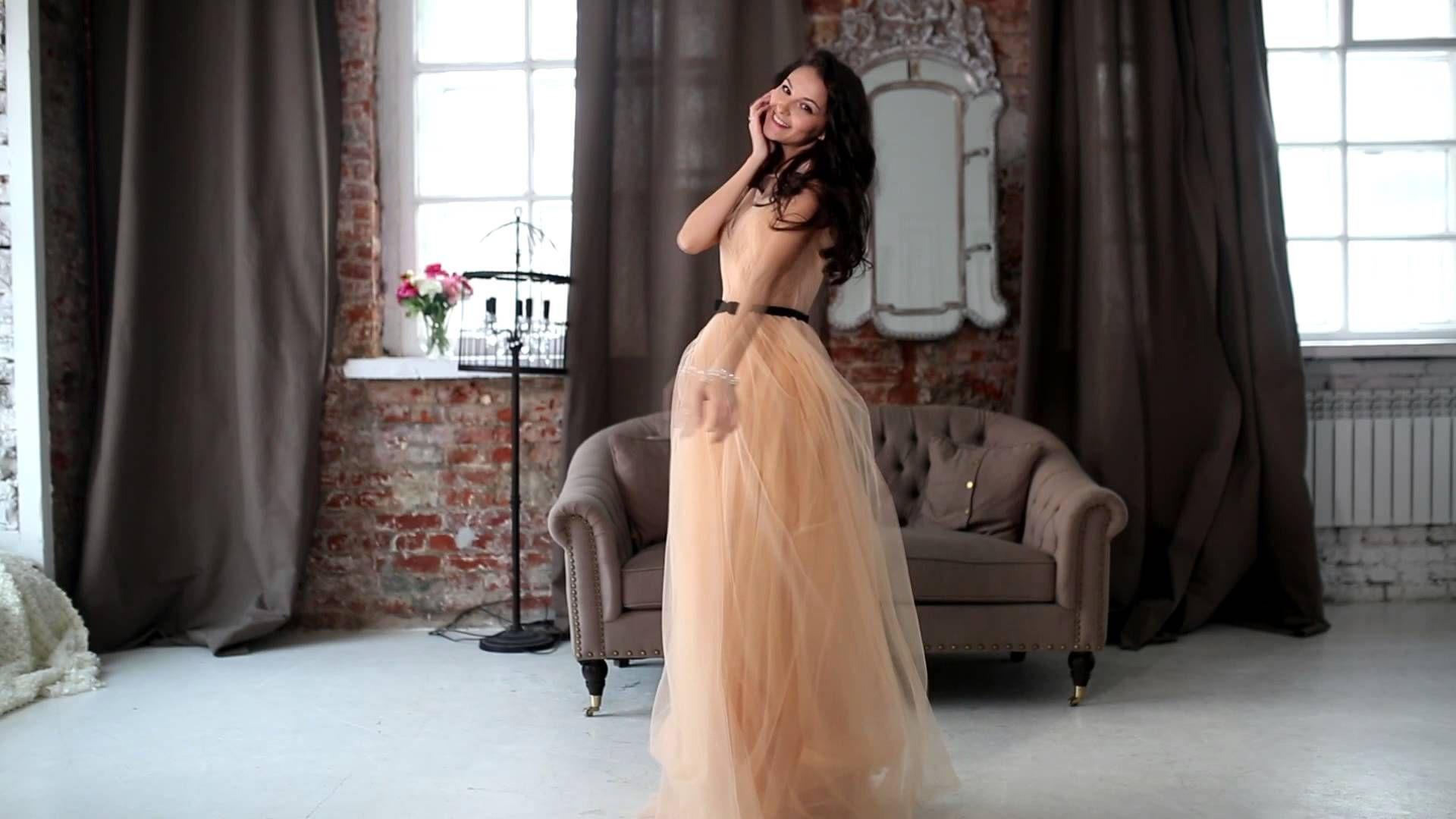 Фотосессия позы в коротком платье