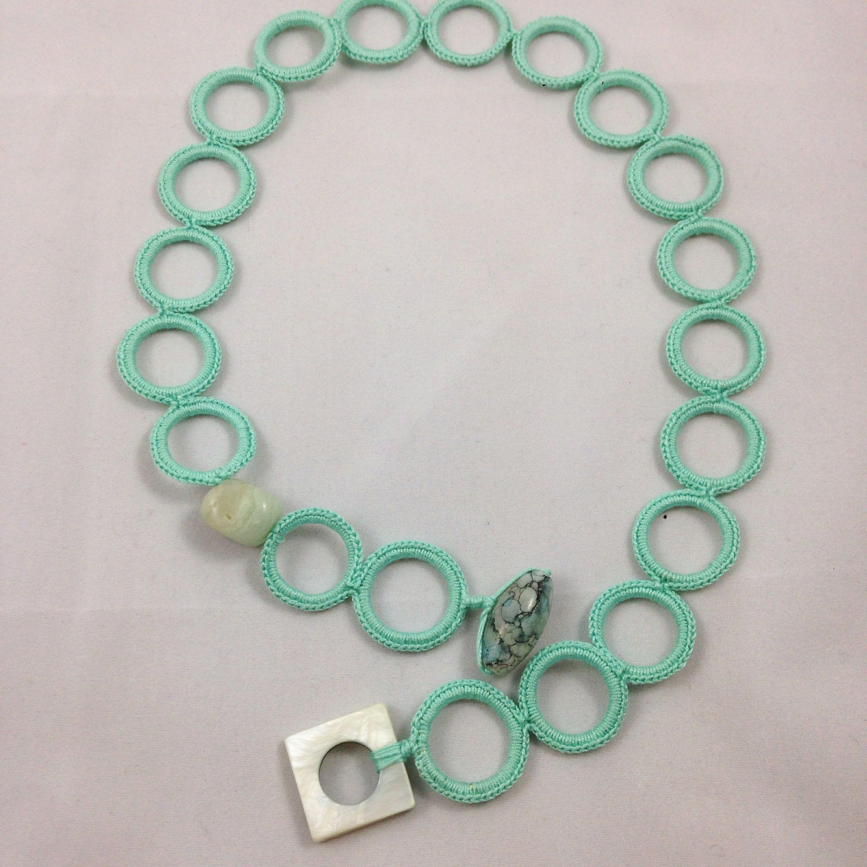 #gioiellitessili #collana all' #uncinetto in puro #cotone con #anellini ricoperti e #pietre dure naturali Color Tiffany