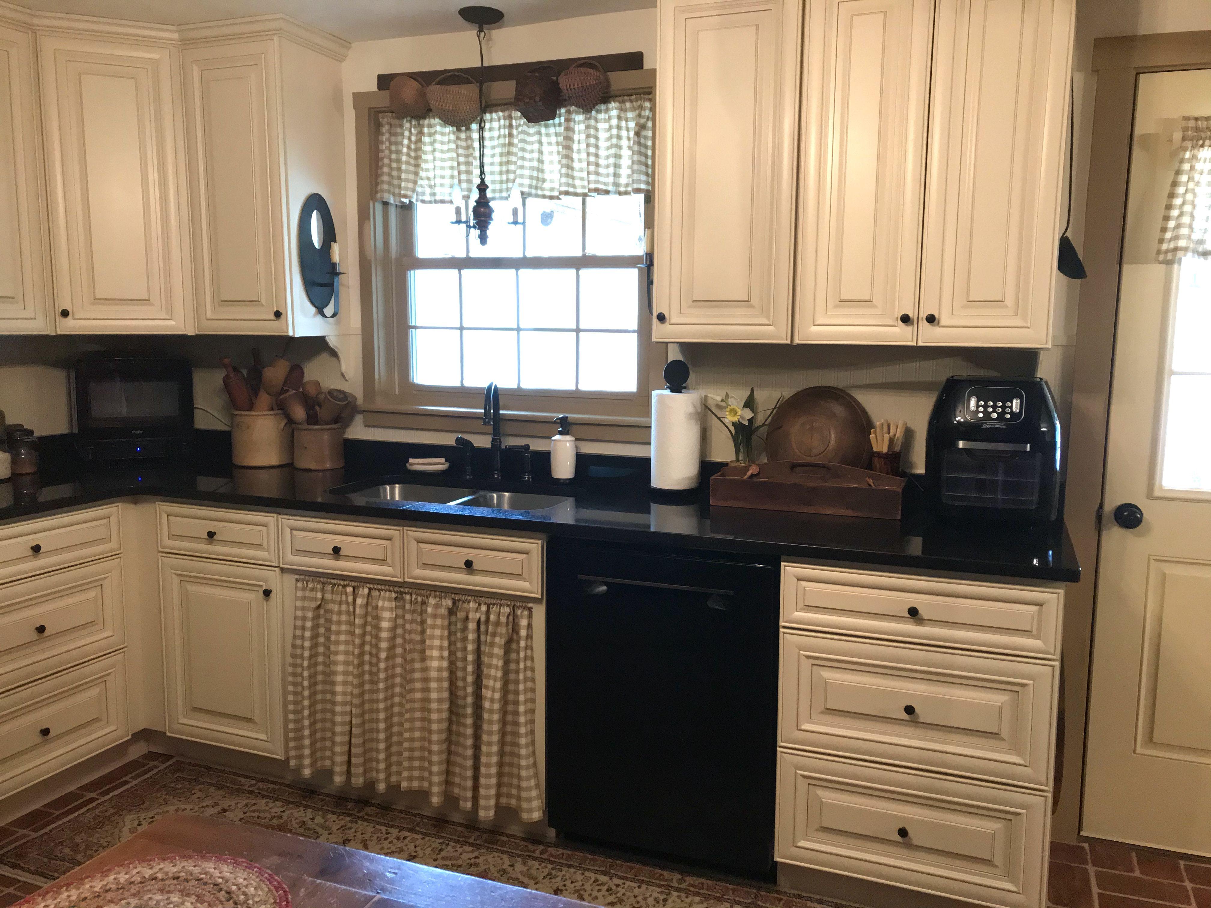 Kitchen March 2020 Behind My Red Door In 2020 Kitchen Primitive Kitchen Kitchen Cabinets