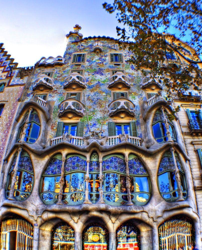 architecture casa batll antoni gaudi barcelona spain