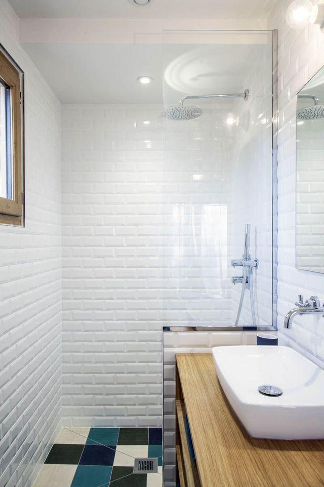 Salle de bain en longueur  conseils aménagement et déco Banheiros