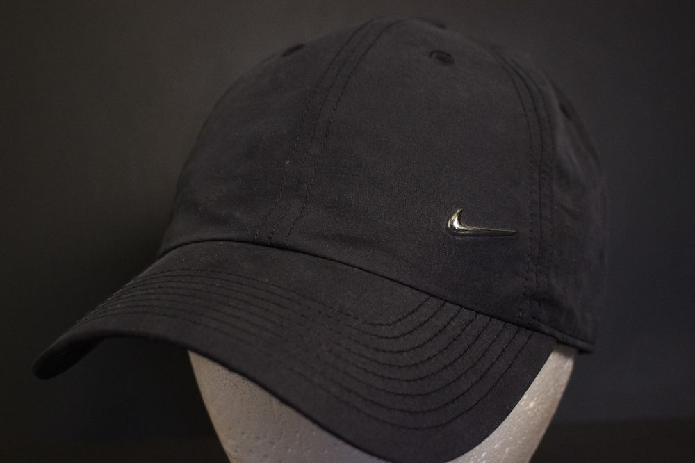 5be0a72623f841 Nike Metal Swoosh Hat Baseball Cap Golf Adjustable Strapback Black Heritage  86 #Nike #BaseballCap