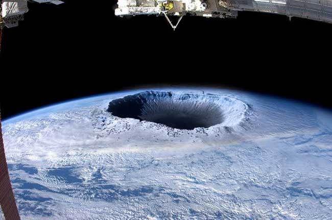 Descubren Un Océano A 644 Km Por Debajo De La Superficie De Nuestro Planeta Tierra Hueca Viaje Al Centro De La Tierra Fotos De Planetas