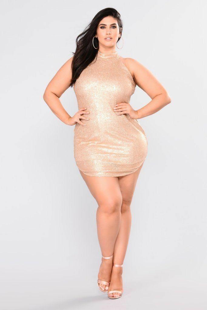 Sexy Curvy Brunette