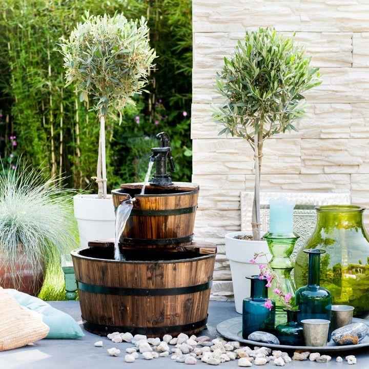 Mediterrane Accessoires de olijfboom mag natuurlijk niet ontbreken in een mediterrane tuin