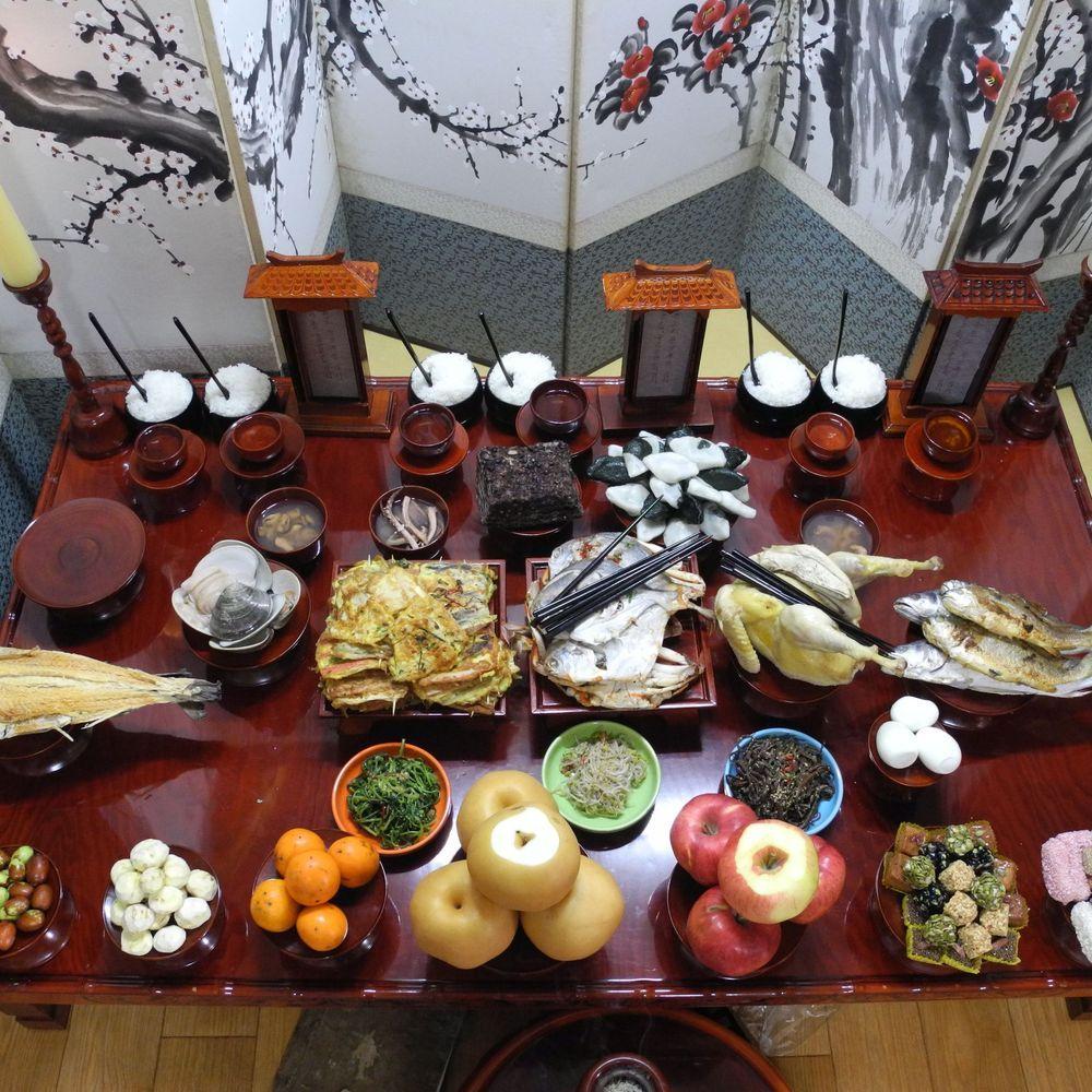 This Is How We Celebrate Chuseok Korean Thanksgiving In 2020 Korean Thanksgiving Kid Friendly Thanksgiving Thanksgiving Recipes