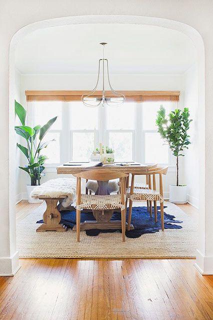 salle à manger / tapis épais / blanc / bois / plantes