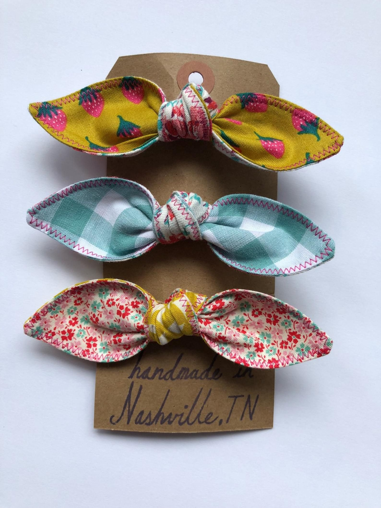 Homemade Homegirl Hairbows / Hair Bows / Made in Nashville / Barrettes / Strawberry Bow / Hair bow / Strawberry Hair Bow