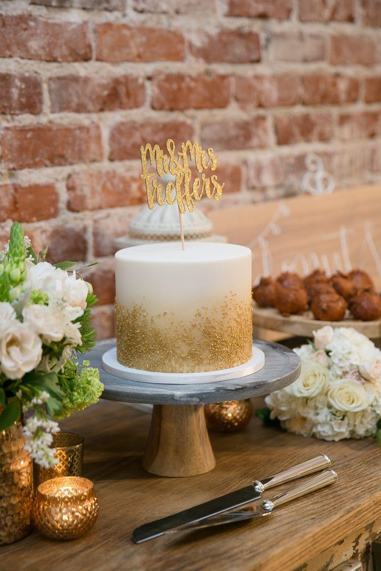 Small Gold Wedding Cake Alec Ryan S Gorgeous Green Wedding