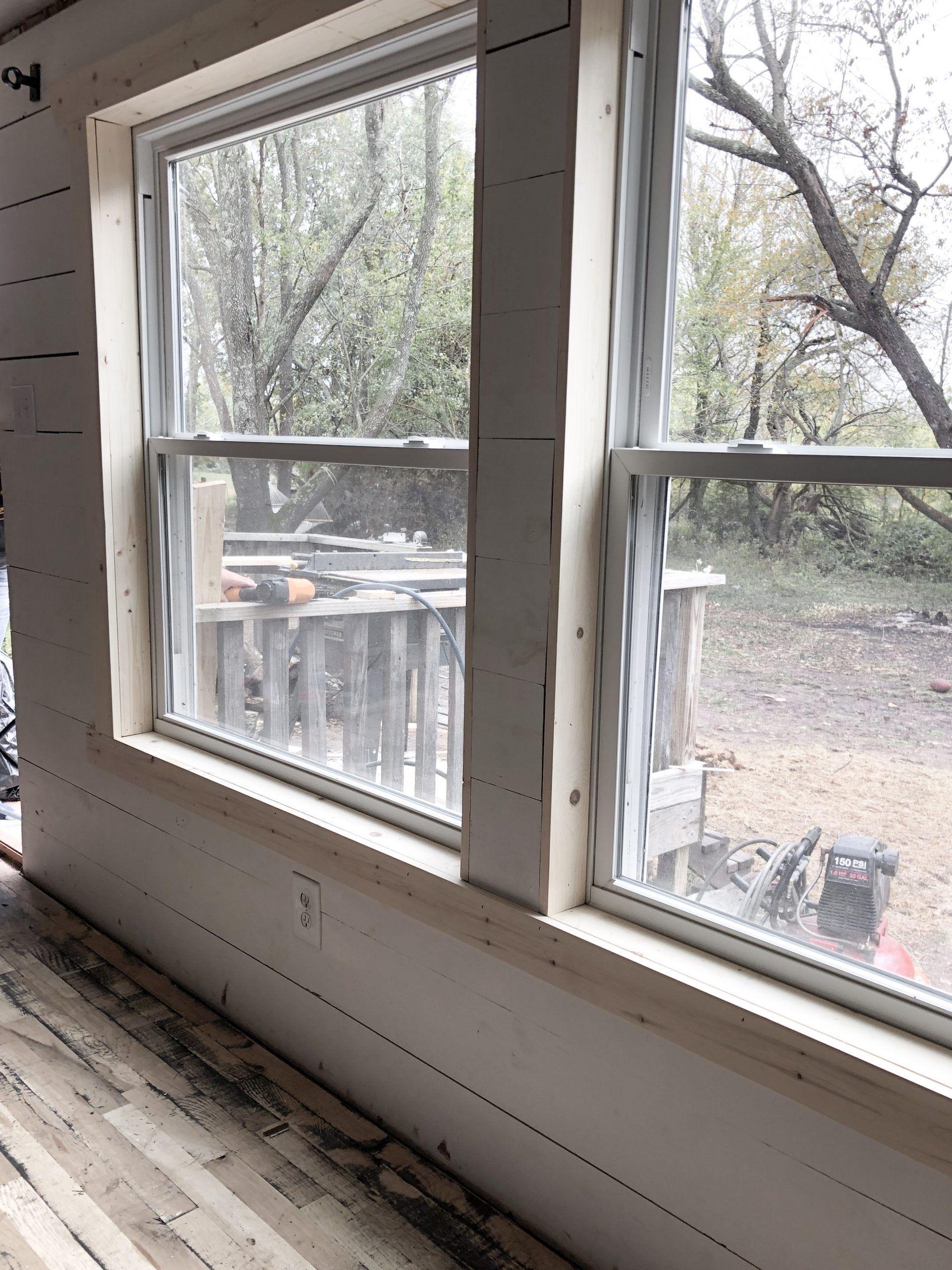 Simple Farmhouse Style Window Trim Rocky Hedge F (2020