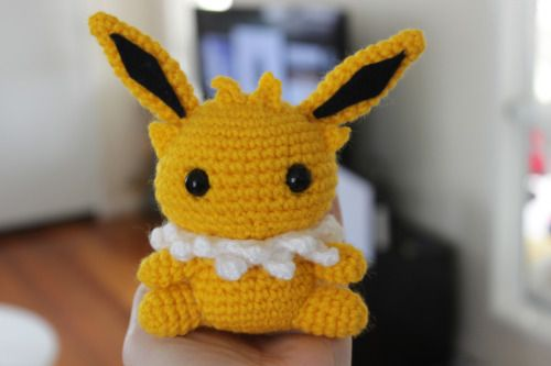 Amigurumi Pokemon Patterns Free : Jolteon amigurumi pokemon character free english pattern