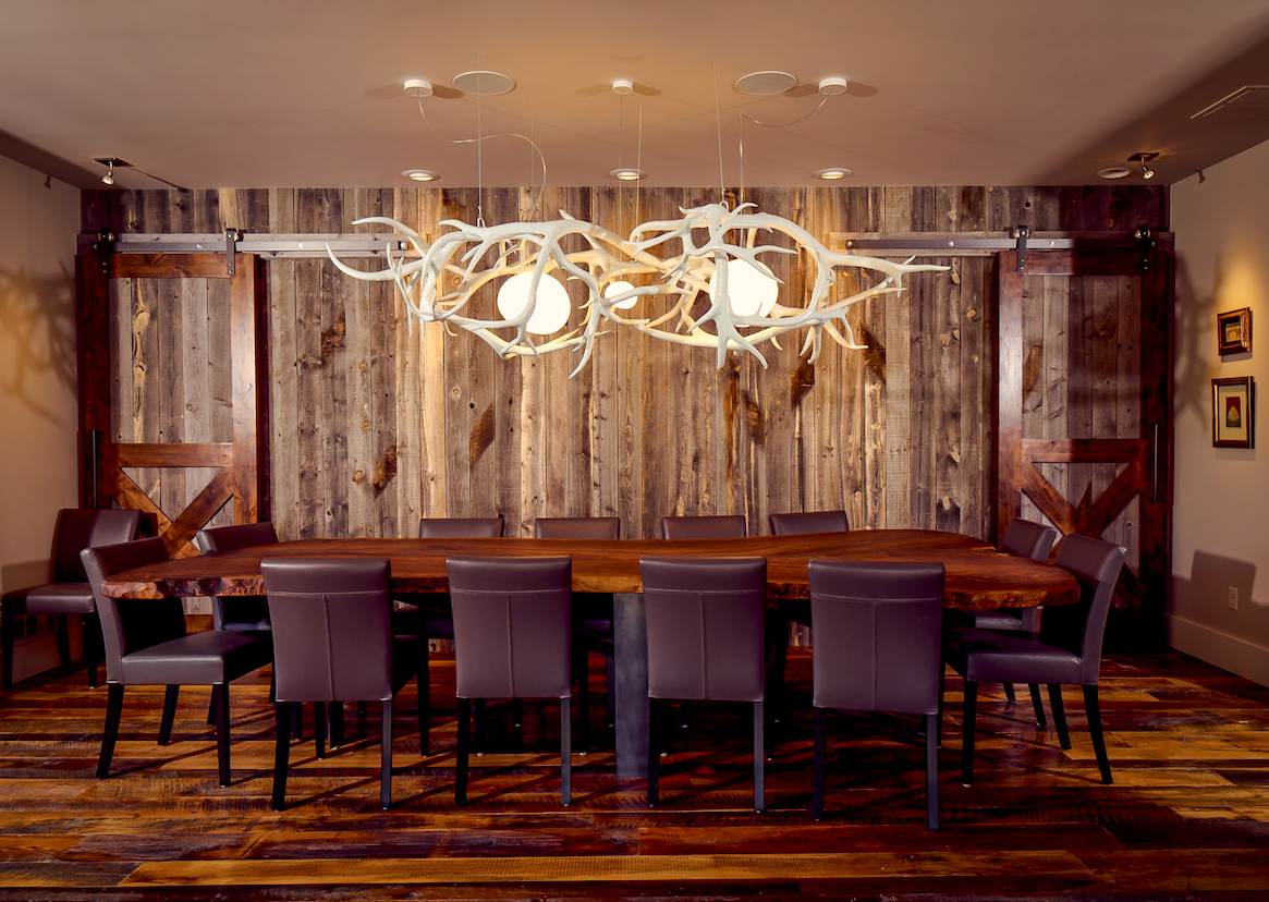 Large antler chandelier, dinning room looks, western art, antler art, natural chandelier. Shawn Rivett Designs