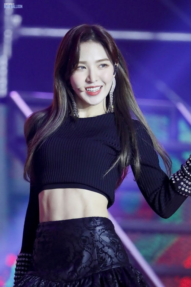 10 Times Red Velvet S Wendy Was The Queen Of Toned Abs In The Prettiest Crop Tops Koreaboo In 2020 Wendy Red Velvet Red Velvet Velvet