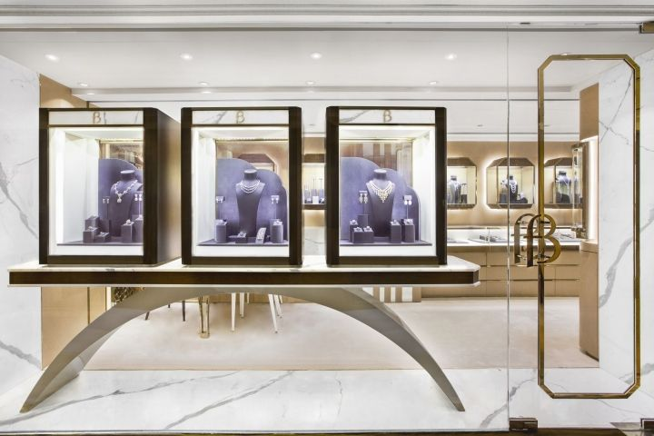 Butani jewellery boutique by stefano tordiglione design for Jewelry store window displays