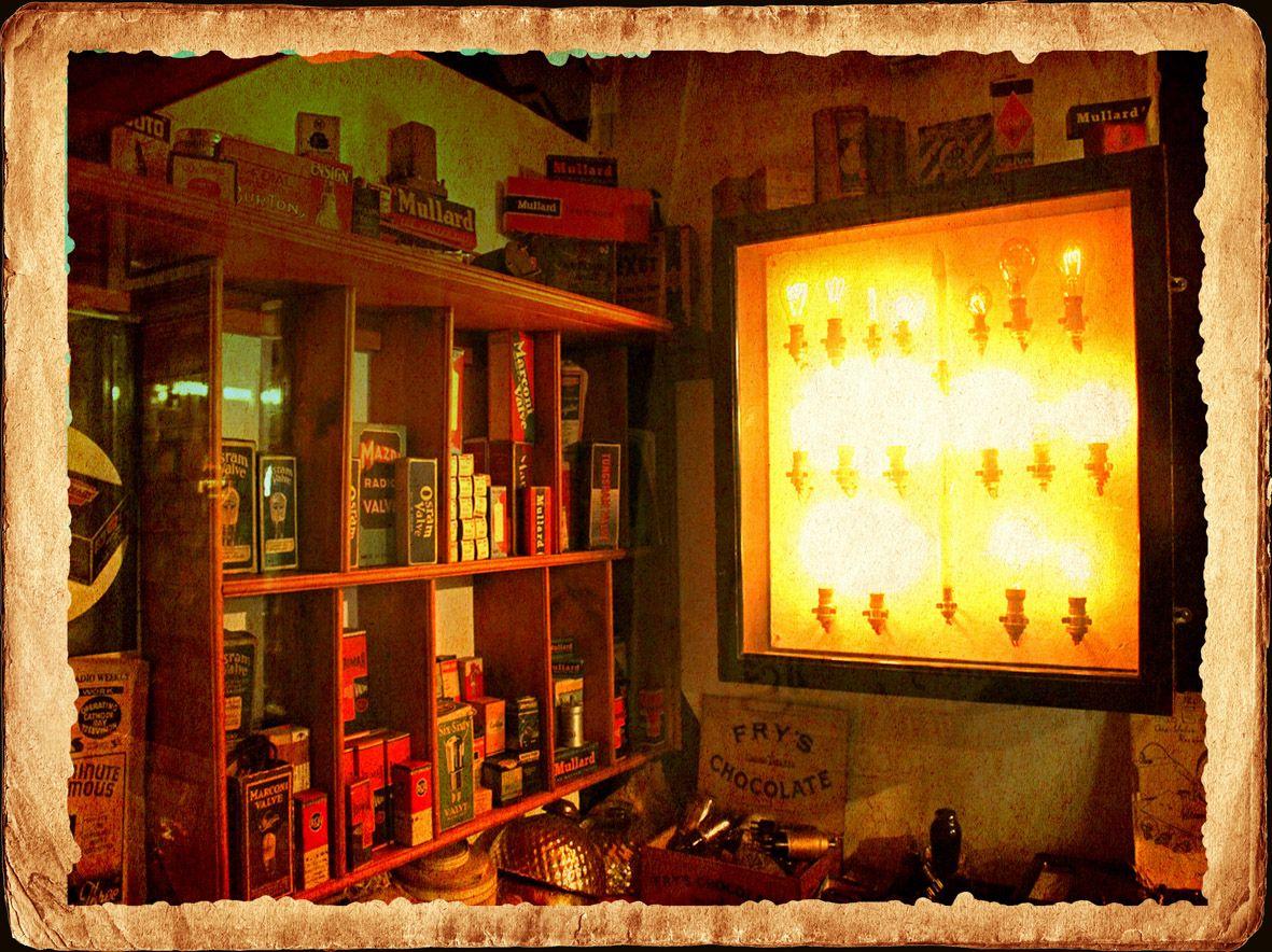 Ein alter #Shop voller #Gluehlampen