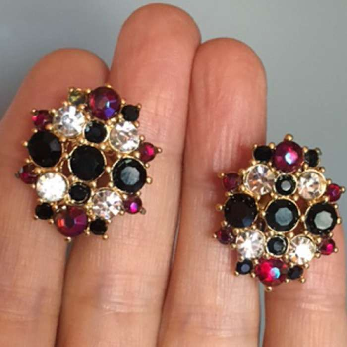 """""""MONET"""" Clip On Earrings Vintage item from the 1970s"""