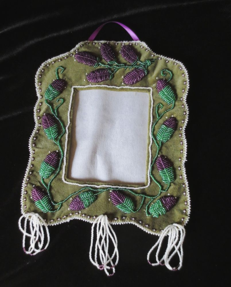 Lrg Iroquois beaded picture frame, w/flower buds traditional: P St ...