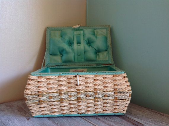 Sewing Basket Dritz Vintage Mid Century not perfect